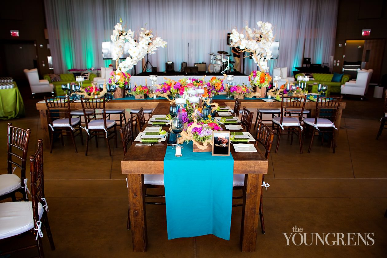 Down The Aisle Head Table Or Sweetheart Table: Two Key Elements For Your Wedding Decor
