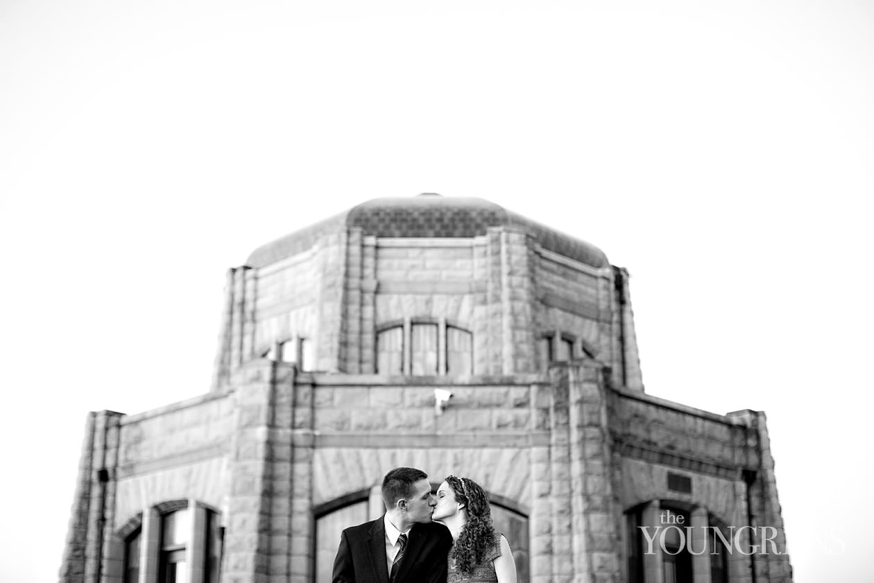 engagement photography, portland engagement photography, columbia river gorge, vista house engagement, latourall falls engagement photos, hiking engagement, waterfall engagement, columbia river engagement