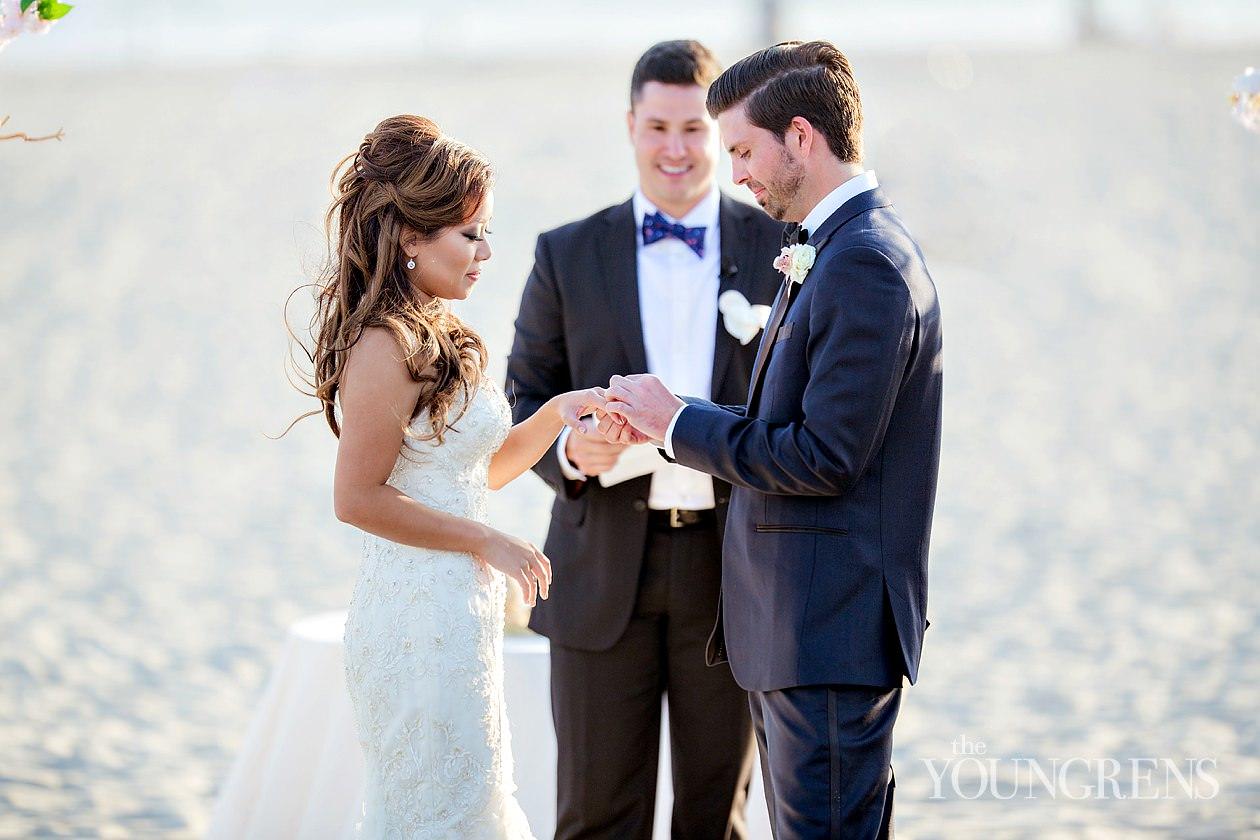 hotel del Coronado wedding, beach wedding, beach ceremony, coronado wedding, Emily smiley wedding, platinum pro wedding, San Diego wedding, luxurious beach ceremony, elegant beach wedding, orchid florals, ocean wedding, outdoor reception