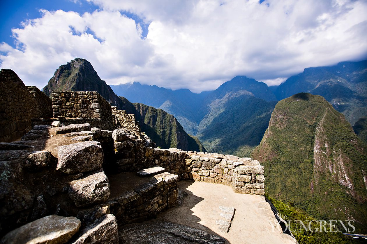 machu picchu photos, images of machu picchu, traveling to machu picchu, the train to machu picchu, peru rail train to machu picchu, aguas calientes, cusco peru, photos of peru, traveling through peru, cuzco photos, photos of cusco, traveling to cusco, wedding photographer in machu picchu,