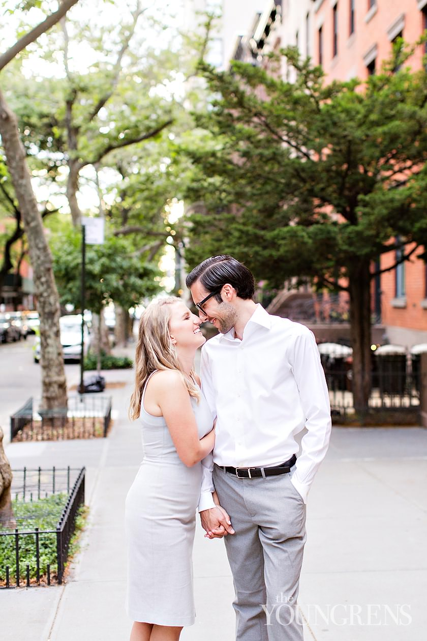 brooklyn engagement session, brooklyn heights engagement session, cobble hill engagement session, manhattan skyline engagement session, brooklyn promenade engagement session, sunset manhattan engagement session, DUMBO engagement session, new york engagement session, NYC engagement session