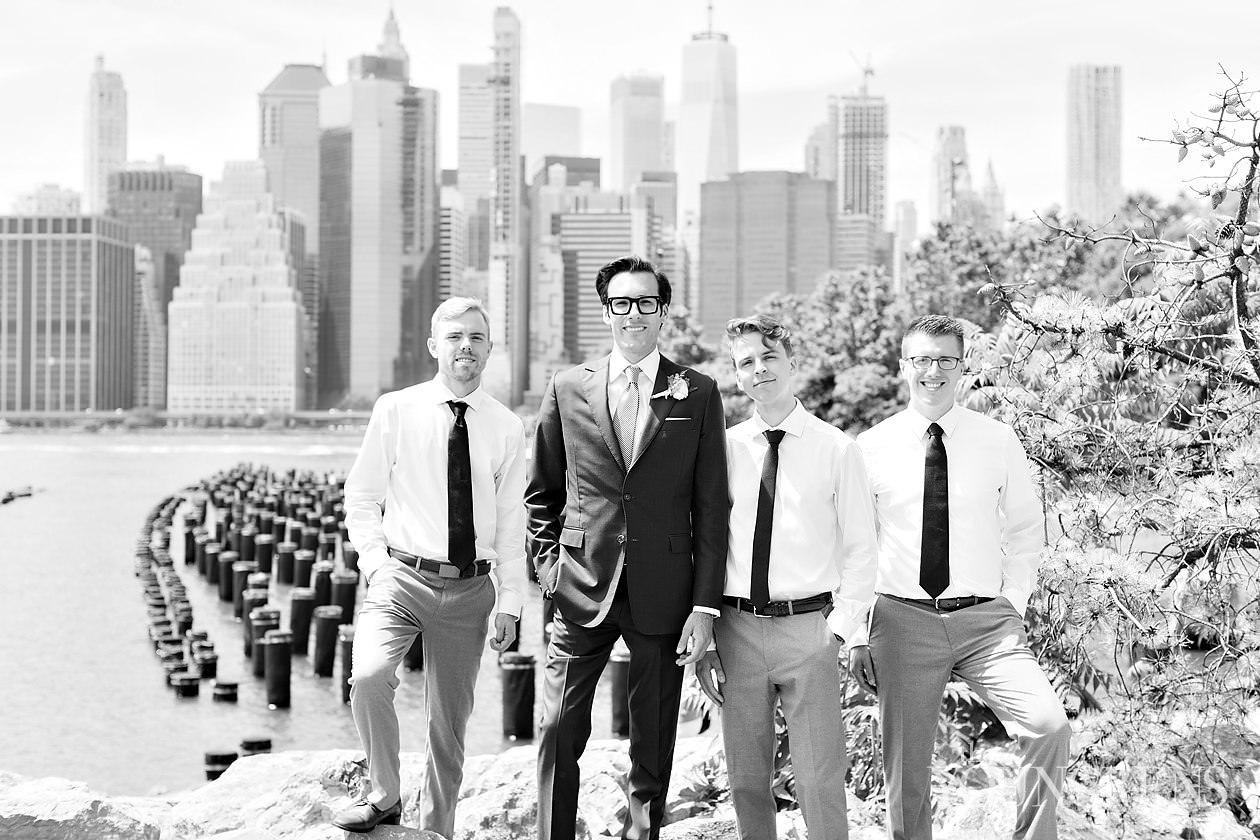 new york city wedding, NYC wedding, brooklyn wedding, dumbo wedding, brooklyn bridge park wedding, classic new york wedding, manhattan skyline wedding, wedding underneath the manhattan bridge, wedding with a view of brooklyn bridge, intimate brooklyn wedding
